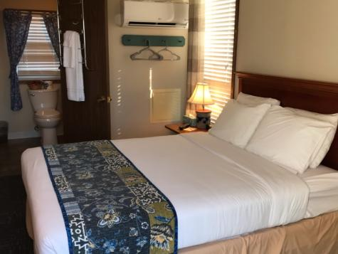 Suite C - bed